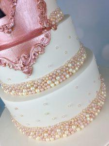 rose gold lock wedding cake